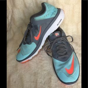 NIKE FS LITE RUN 3 Running Shoes